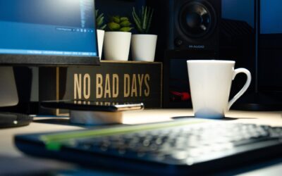 a sign saying no bad days to show how habits progress your career not goals
