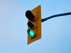 a green traffic light to represent how good it is when you prepare your virtual team for the long haul